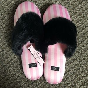 New with tags. Victoria's Secret small slippers
